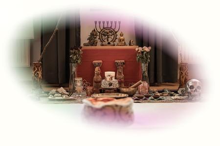 """Titelbild Zeremonien-Altar von Ayahuasca Retreat \""""2 Tages Gruppenretreat\"""""""