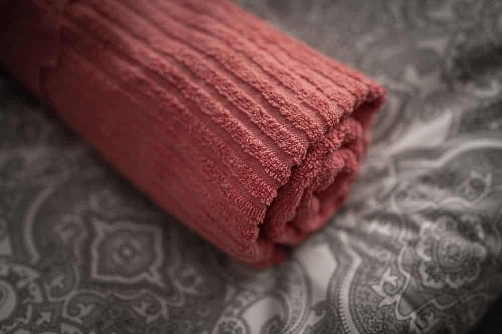 Bettlaken mit Handtuch für Ayahuasca Retreat